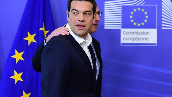 Alexis Tsipras e Jean-Claude Juncker - Sputnik Italia