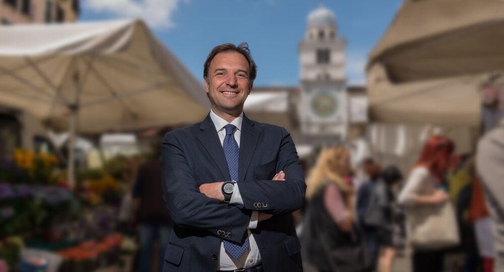 Tra le tanti voci che vogliono esprimere il proprio dissenso in merito alle sanzioni antirusse, c'è quella del sindaco di Padova, Massimo Bitonci