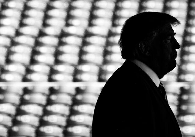 Il presidente statunitense Donal Trump fa la dichiarazione sull'accordo nucleare con l'Iran