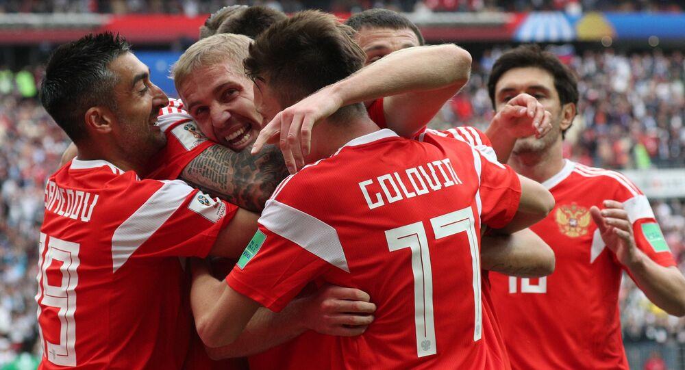 Esultanza dei giocatori russi durante partita con Arabia Saudita