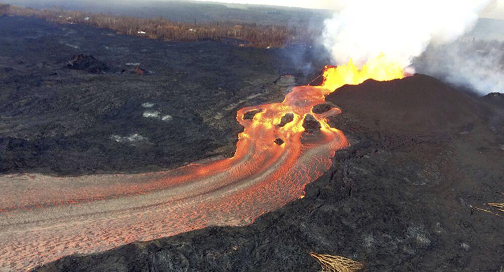 L'eruzione del vulcano Kilauea alle Hawaii.