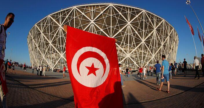 Un tifoso tunisino fuori dallo stadio di Volgograd