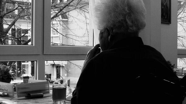 Пожилая женщина - Sputnik Italia