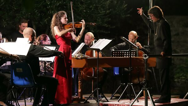Yuri Bashmet e Laura Bortolotto - Sputnik Italia