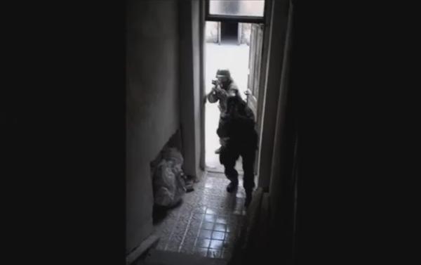 Le esercitazioni del reggimento Azov. Sergey Sanovsly ed istruttore, nome in codice Runa. - Sputnik Italia