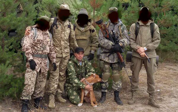 Le esercitazioni dell'unità militare 3066. Sergey Sanovsky con il cane. - Sputnik Italia
