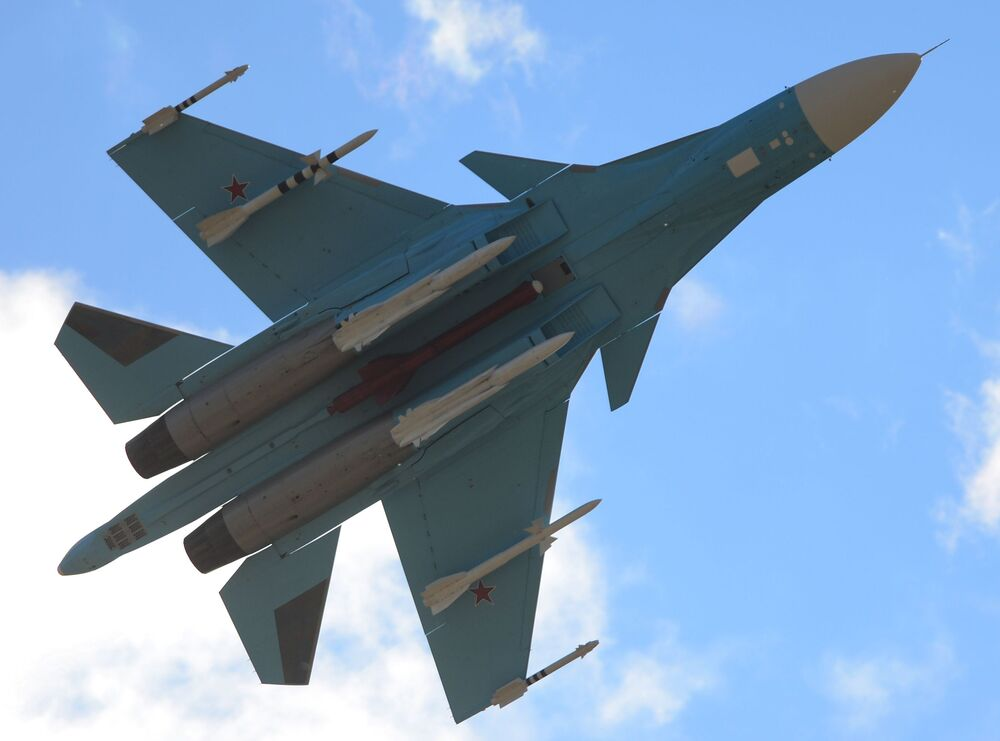 Anatroccolo (o cigno?) infernale: il Sukhoi SU-34