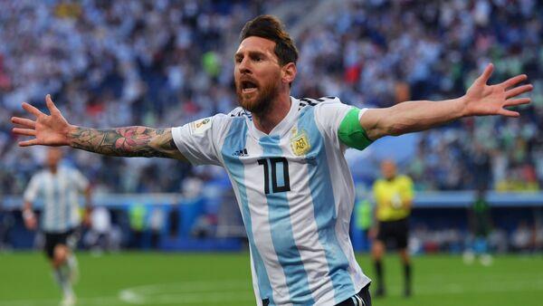 Lionel Messi celebra un goal - Sputnik Italia