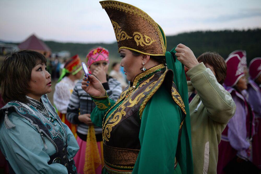 Villaggio di Ulagan, nella Repubblica dell'Altay. Qui si è svolta la festa per il 150° dell'unione del popolo dei Telenghiti alla Russia.