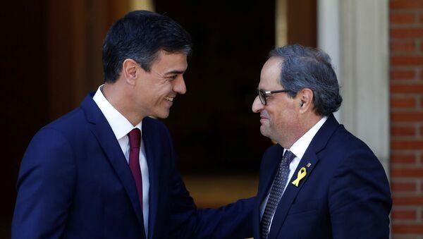 El presidente del Gobierno español, Pedro Sánchez y el presidente de la Generalitat, Quim Torra - Sputnik Italia