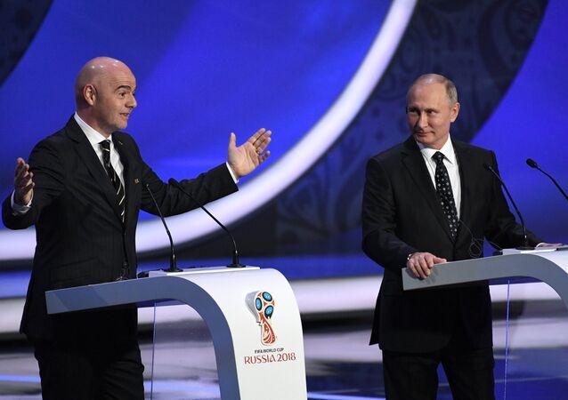 Il presidente FIFA Gianni Infantino insieme al presidente russo Vladimir Putin