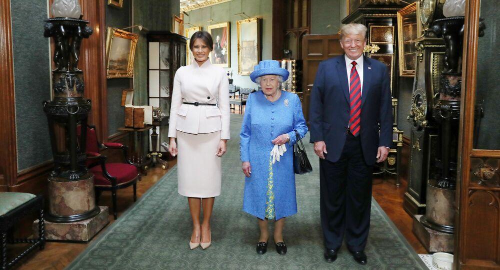 Il presidente Donald Trump e sua moglie, Melania all'appuntamento con Elisabetta II