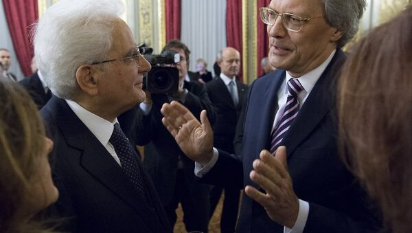 Il presidente della Repubblica Italiana Sergio Mattarella, a sinistra, e Sergey Razov, ambasciatore della Russia in Italia - Sputnik Italia