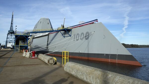 The Navy's stealthy Zumwalt destroyer is seen at Bath Iron Works, Thursday, Oct. 31, 2013, in Bath, Maine. It's the largest destroyer ever built for the Navy - Sputnik Italia