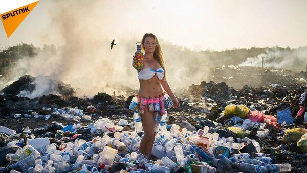 Come gli scarti di plastica uccidono il nostro pianeta - Sputnik Italia