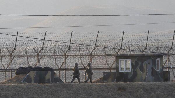 La frontiera tra le due Coree - Sputnik Italia