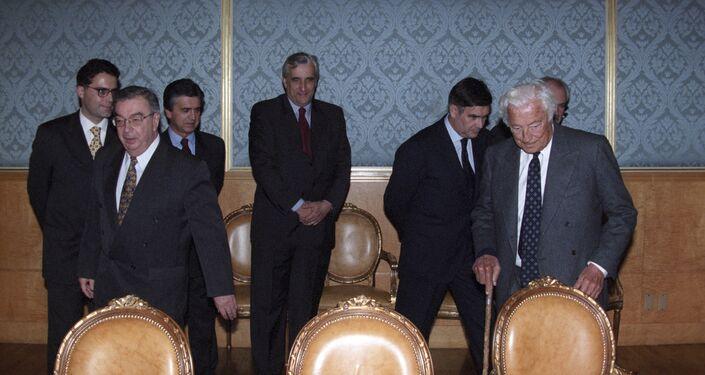 Evgeny Primakov incontra l'Avvocato Gianni Agnelli a Mosca nell'ottobre del 1998