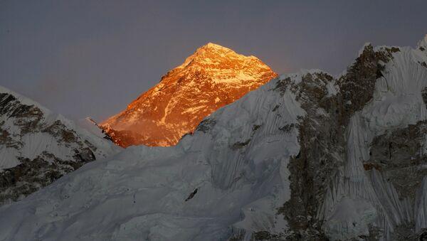 Un alpinista russo è rimasto bloccato sulla vetta del Latok-1 - Sputnik Italia