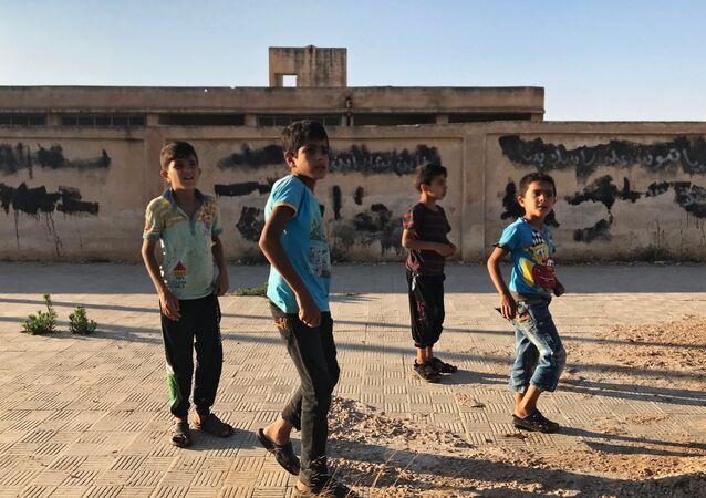 I piccoli abitanti della località di Alma nella prov incia di Deraa in Siria.
