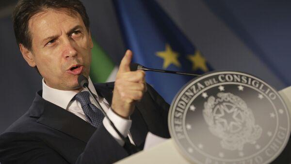 Premier dell'Italia Giuseppe Conte al vertice Ue a Bruxelles - Sputnik Italia