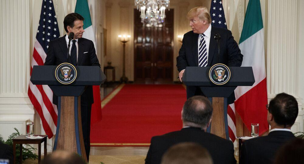 Giuseppe Conte e Donald Trump (foto d'archivio)