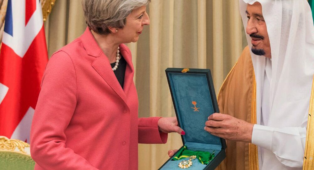 Theresa May e il re dell'Arabia Saudita Salman, 2017