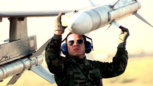 Missile aria-aria AIM-120 AMRAAM - Sputnik Italia