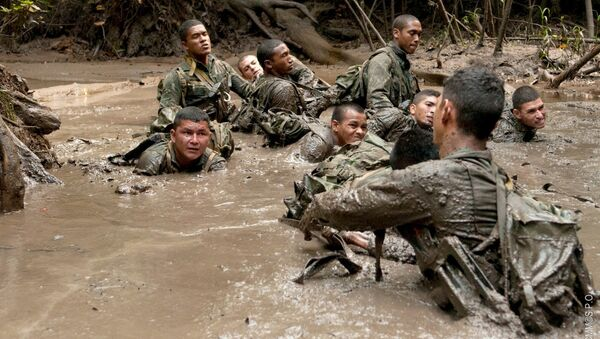 Il soldado Arilson con i colleghi del Comando di Frontiera dello Stato brasiliano di Amapá - Sputnik Italia
