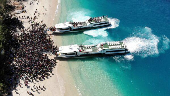 Evacuazione della genta all'isola Gili Trawangan, Indonesia. - Sputnik Italia