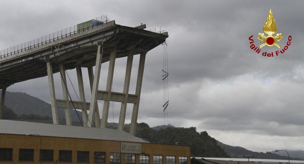 Il ponte Morandi a Genova dopo il crollo di una parte del viadotto (foto d'archivio)