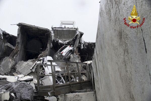Il crollo del ponte Morandi a Genova - Sputnik Italia