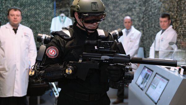 Esoscheletro per il soldato del futuro - Sputnik Italia