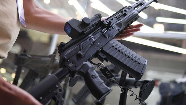 Mitragliatrice Kalashnikov AK-308 presentata durante il IV Forum Internazionale delle Tecnologie Militari Armija-2018 - Sputnik Italia