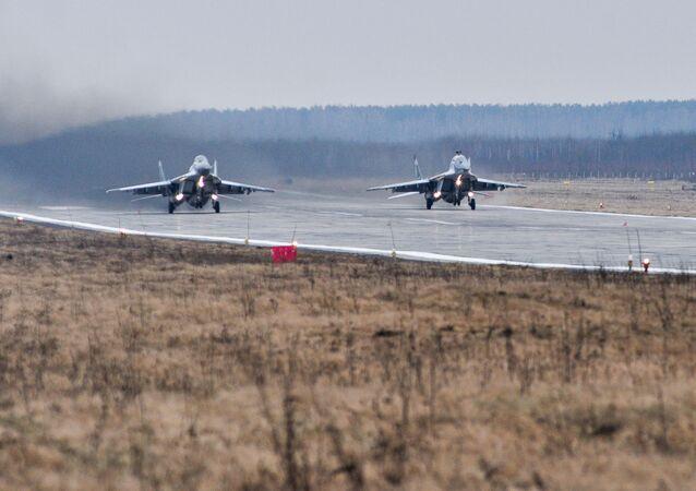 Caccia russi (foto d'archivio)