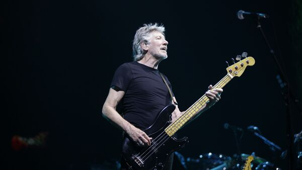Roger Waters performs during a live concert in Assago, near Milan, Italy - Sputnik Italia