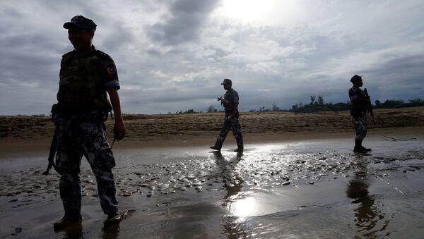 A Myanmar border guard police officers stand guard in Buthidaung, northern Rakhine state, Myanmar (File) - Sputnik Italia