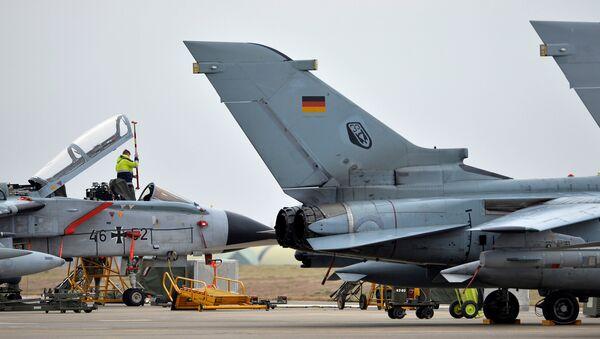 Aufklärungsflugzeuge Tornado auf dem türkischen Militärstützpunkt Incirlik - Sputnik Italia