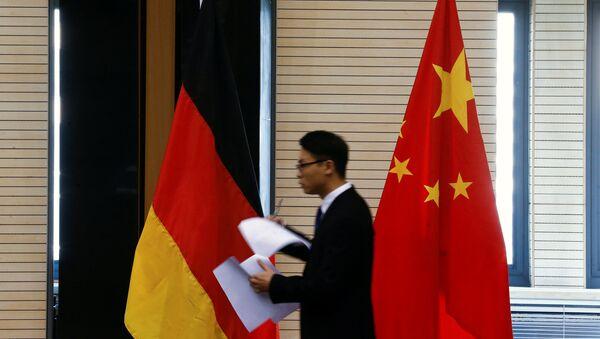 Le bandiere della Germania e della Cina - Sputnik Italia