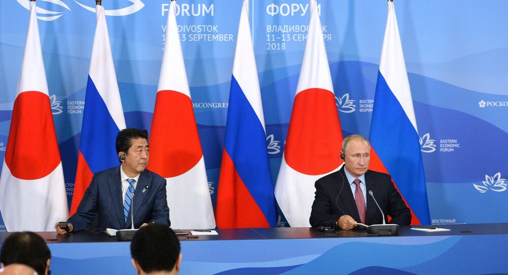 La conferenza stampa di Putin e Abe