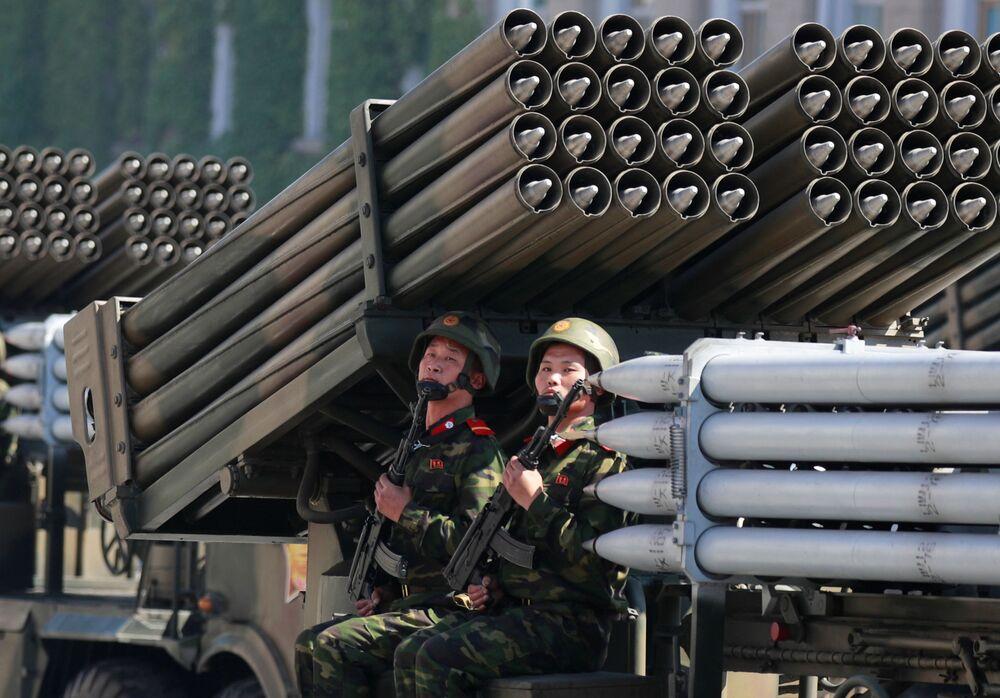 La parata militare per i 70 anni della Corea del Nord