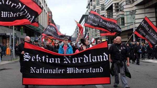 Proteste a Berlino contro la politica migratoria della cancelliera della Germania Angela Merkel. - Sputnik Italia
