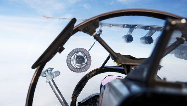 Топливозаправщик ИЛ-78 во время летно-тактических учений морской авиации Черноморского флота в Ейском районе - Sputnik Italia