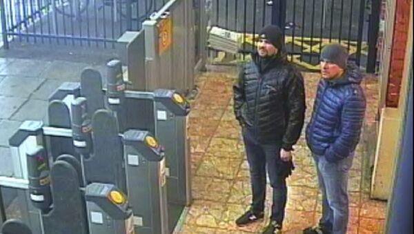 Una foto delle telecamere di sorveglianza di Ruslan Boshirov e Aleksandr Petrov a Salisbury - Sputnik Italia