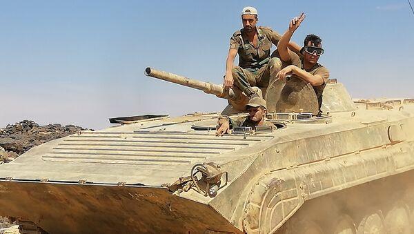 L'esercito siriano assalta le pendici di Tulul as-Safa nel sud del paese - Sputnik Italia