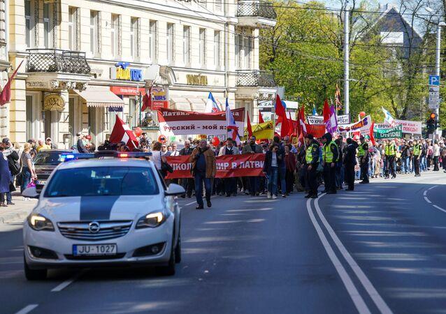 Manifestazione per la difesa della lingua russa in Lettonia