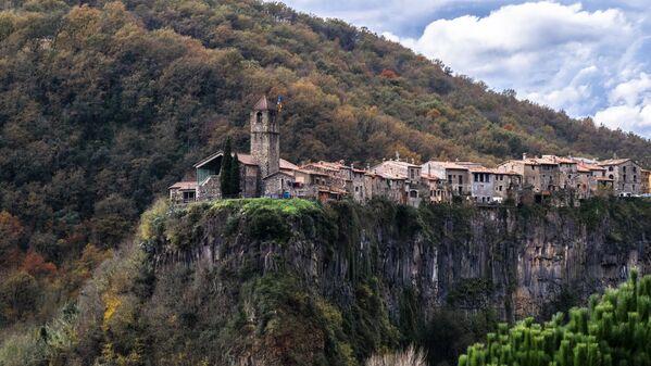 L'erba del vicino non c'è: le abitazioni più estreme e isolate al mondo - Sputnik Italia