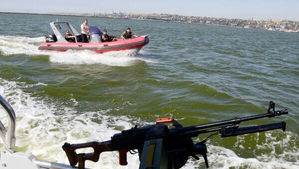 Guardia costiera ucraina nel mar d'Azov - Sputnik Italia