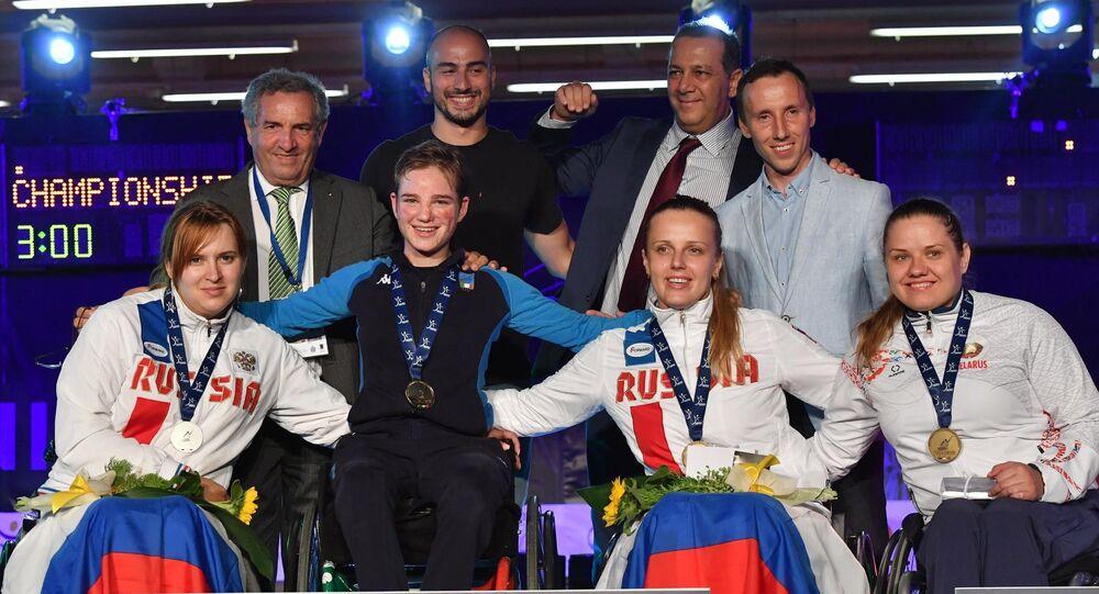 Bebe Vio sul podio insieme a Alesja Mishurova e Viktoriya Boykova