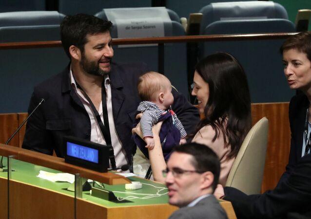 Il Premier della Nuova Zelanda con sua Figlia all'Assemblea Generale dell'ONU