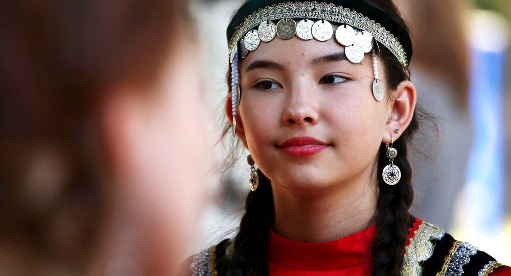 Partecipante alla festa tradizione del Sabantue a Samara